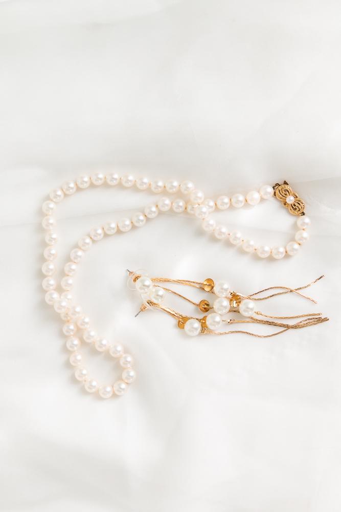 Gulfport Beach Wedding | Heirloom Pearls | Annie Elise Photography