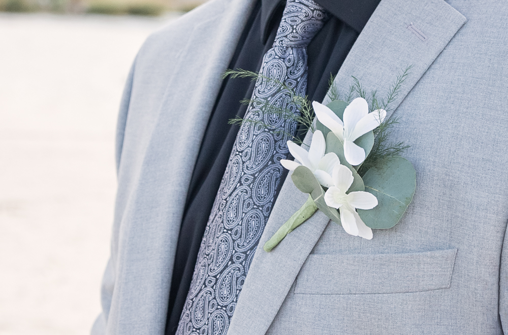 Gulfport Beach Wedding | Annie Elise Photography | groom boutonniere detail shot