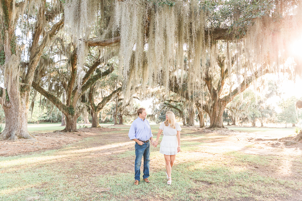 Fountainbleau State Park | Louisiana engagement session | couple posing in mossy oak tree