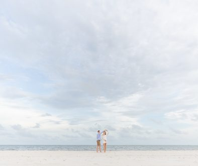 5 Ways Engagement Photos Make Emotional Wedding Photos