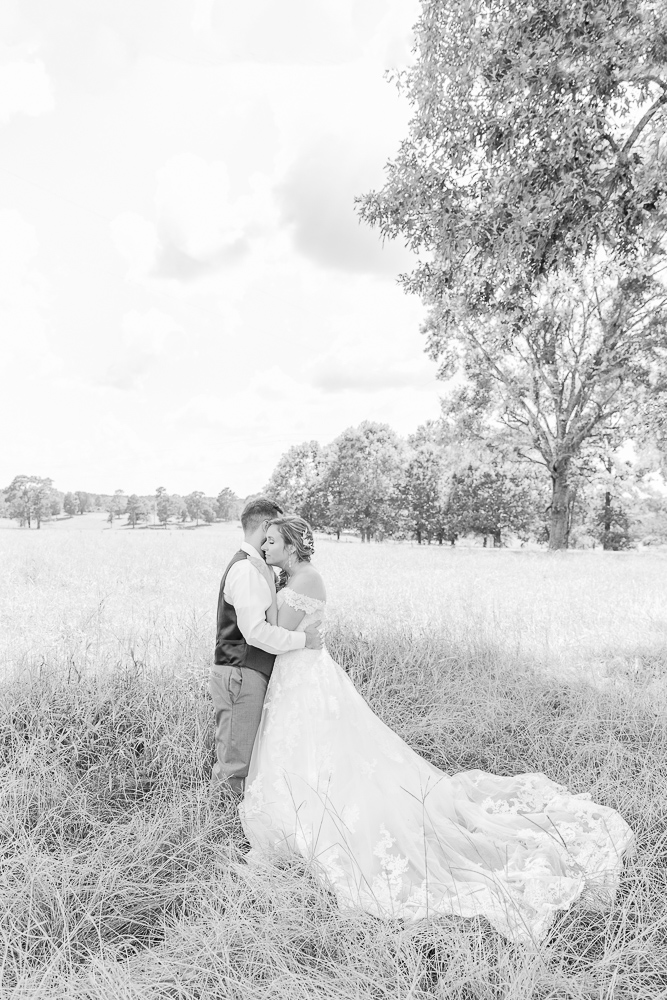 Mississippi Wedding Photographer | State Line Mississippi Grassy Field Bride and Groom Portraits | Wedding Dress | Bliss Bridal | I Do Bridal | black and white