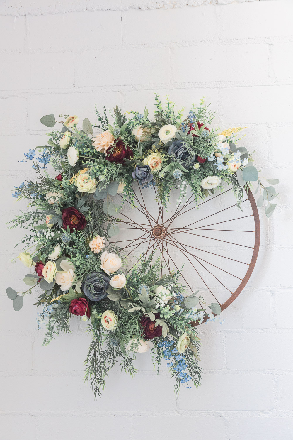 Annie Elise Photography | Flower Wheel | Wedding Decor