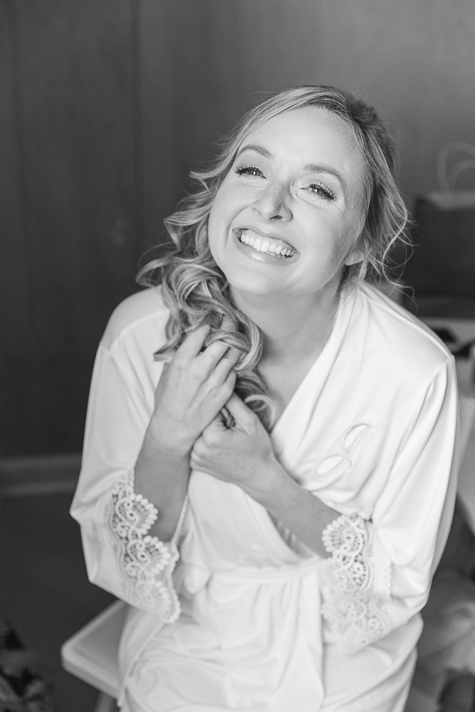 Annie Elise Photography | Bride laughing | Getting Ready | Black and White Photo