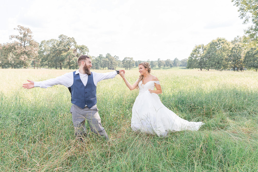 Mississippi Wedding Photographer | State Line Mississippi Grassy Field Bride and Groom Portraits | Wedding Dress | Bliss Bridal | I Do Bridal | In field