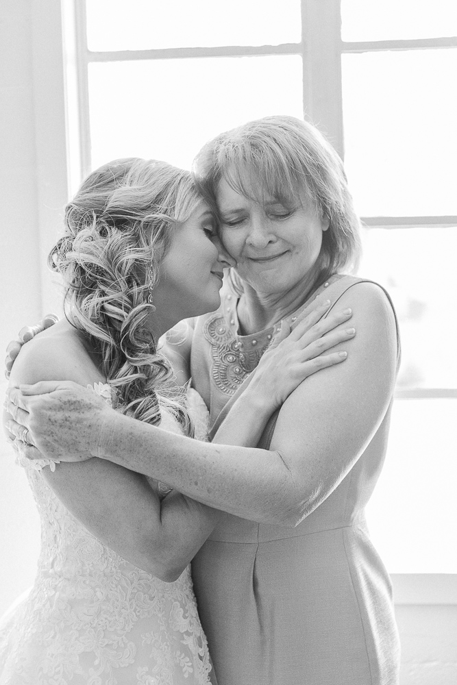 Annie Elise Photography | Bride detail  | Dusty Blue Wedding Color | Bride with mom getting ready
