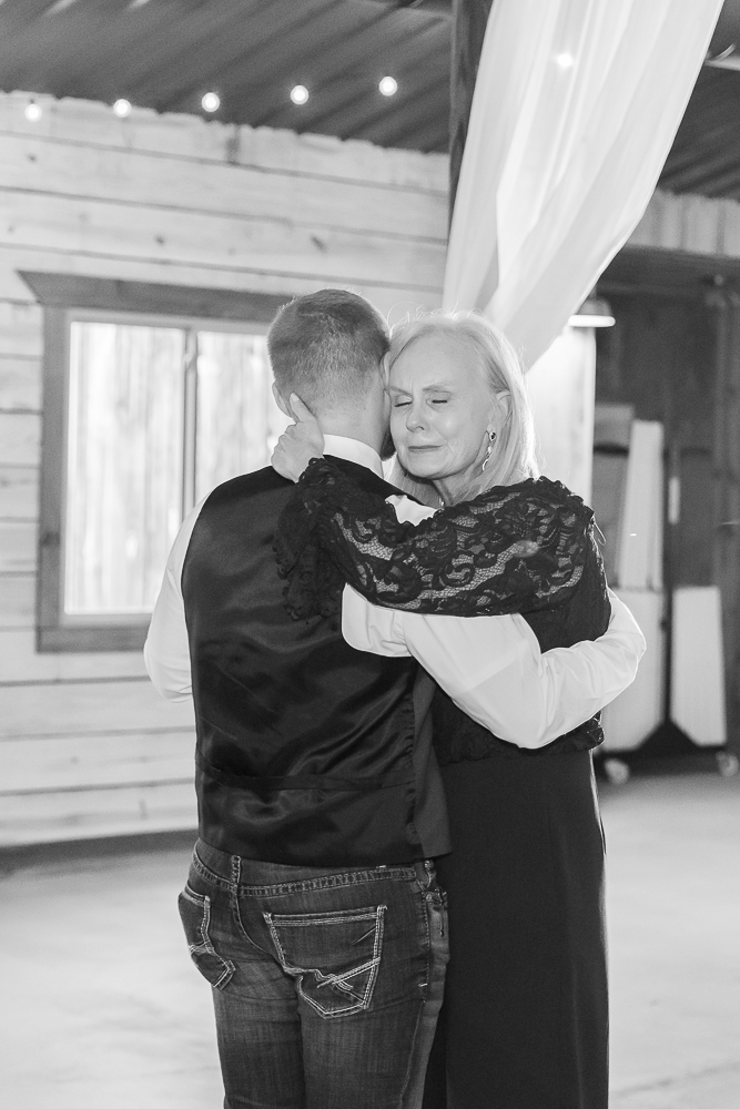 Annie Elise Photography | The Stables Venue | Vancleave, MS | Mother and son first dance